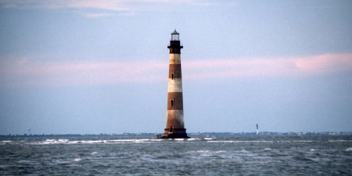 Morris_Island_small_file_with_new_lighthouse_behind.jpg